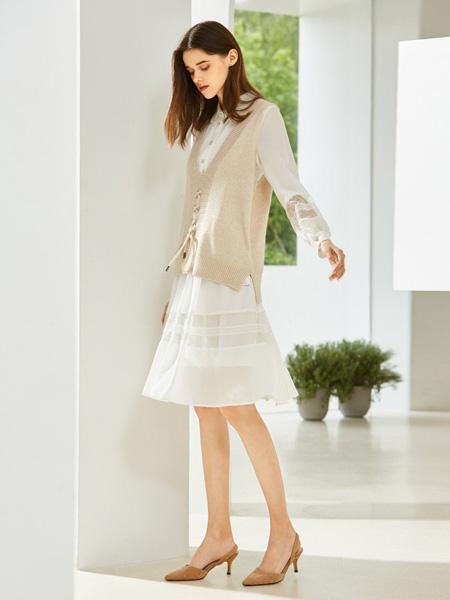 MSLE蜜�评蚨�女装品牌2019秋季新款时尚气质毛衣宽松背心针织连衣裙两件套