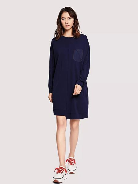 娅铂·周末女装品牌2019秋季新款简约圆领套头宽松显瘦连衣裙