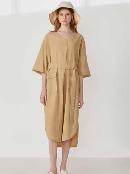elva女装品牌2019春夏新款V领连身袖宽松配腰带裙子气质连衣裙潮