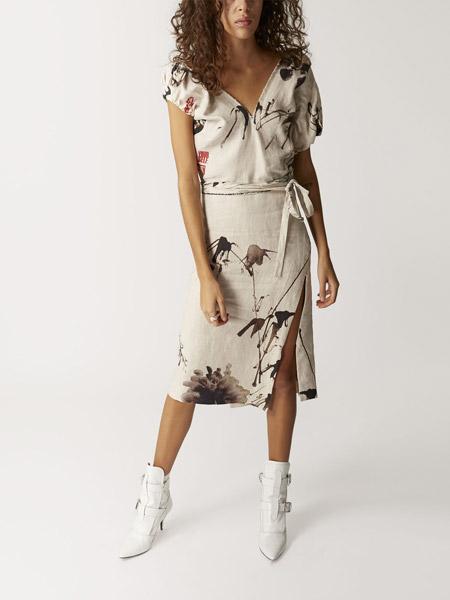 薇薇安・威斯特伍德女装品牌2019春夏新款时尚优雅气质修身显瘦连衣裙