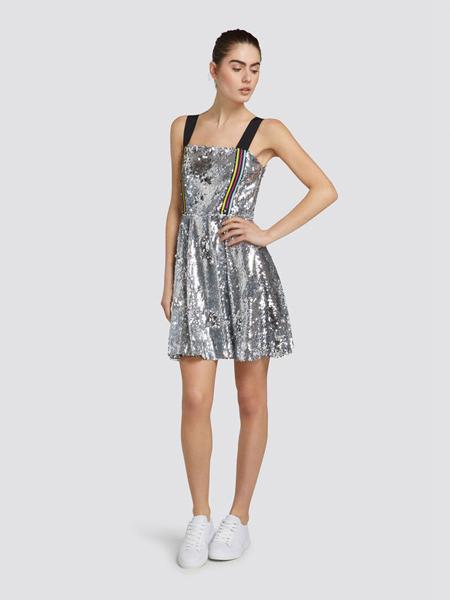 楚萨迪女装品牌2019春夏新款甜美气质亮片吊带裙潮