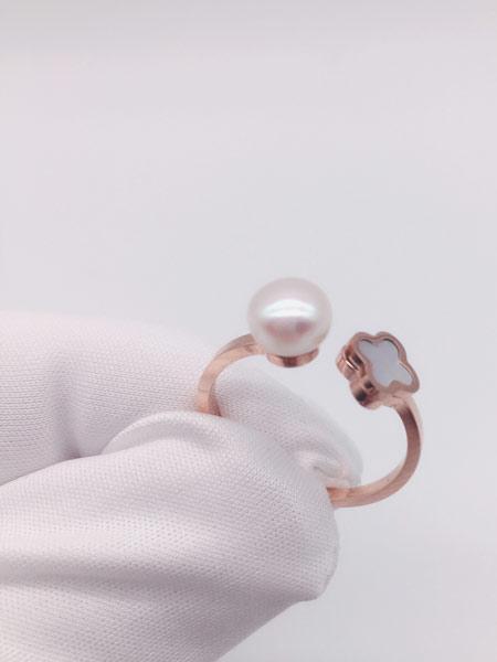 顾仕珍珠潮流饰品品牌2019春夏简约大气淡水珍珠戒指