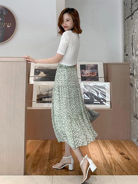 DAKA TRIP女装品牌2019春夏新款高腰A字雪纺蓬蓬裙适合胯大腿粗的裙子波点半身裙