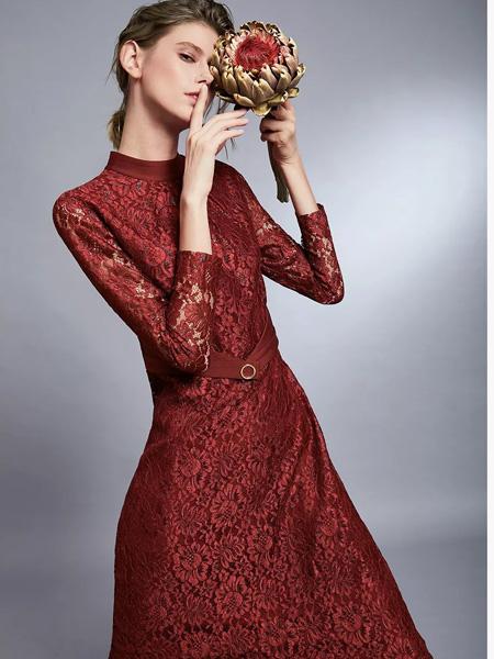 俏帛女装品牌2019秋季新款时尚高贵洋气修身显瘦蕾丝连衣裙