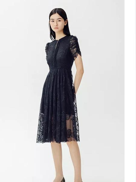 曼娅奴女装品牌2019春夏新款时尚优雅蕾丝小黑裙连衣裙
