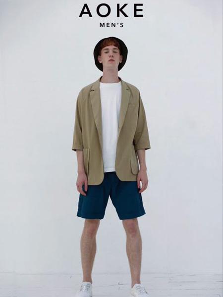 奥克男装,打造时尚为核心载体,致力于产品的生活中创造自我