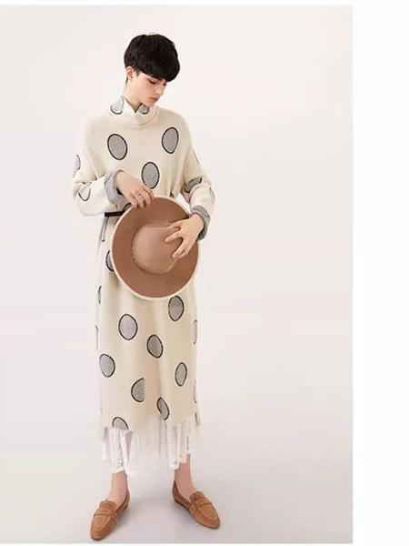 意澳女装品牌2019秋季新款大码宽松遮肉显瘦文艺复古连衣裙