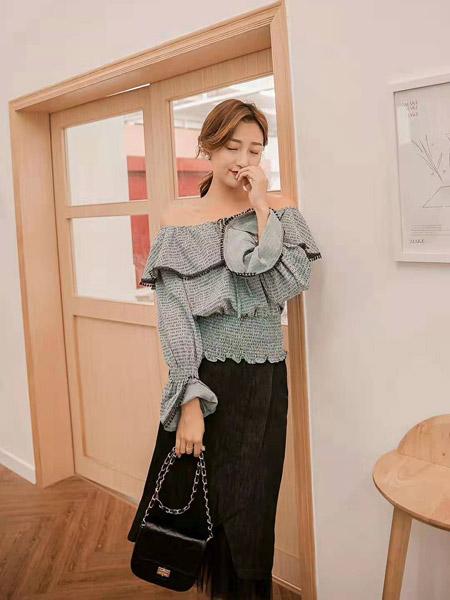 M+女装品牌2019秋季新款纯色松紧腰显瘦气质百搭字肩显瘦洋气衬衫