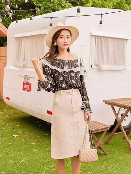 M+女装品牌2019秋季新款显瘦超仙雪纺衫碎花雪纺洋气百搭上衣