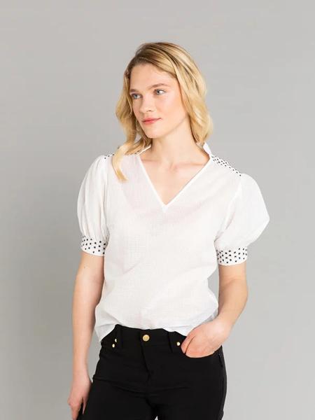 AGNES B.(阿涅斯)女装品牌2019春夏新款宽松休闲V领短袖雪纺衫