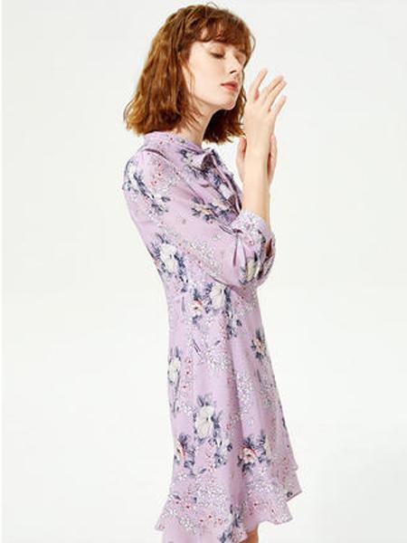 莱茵女装品牌2019秋季新款甜美印花裙子时尚古风荷叶边连衣裙