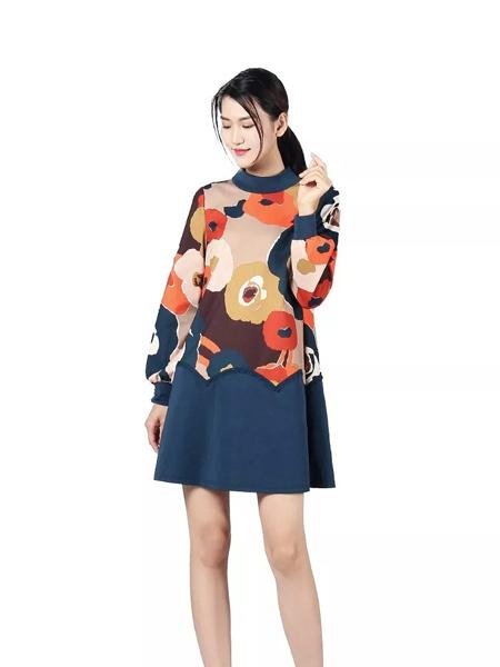 秀蓓儿女装品牌2019秋季新款韩版加肥加大宽松舒适花朵印花连衣裙