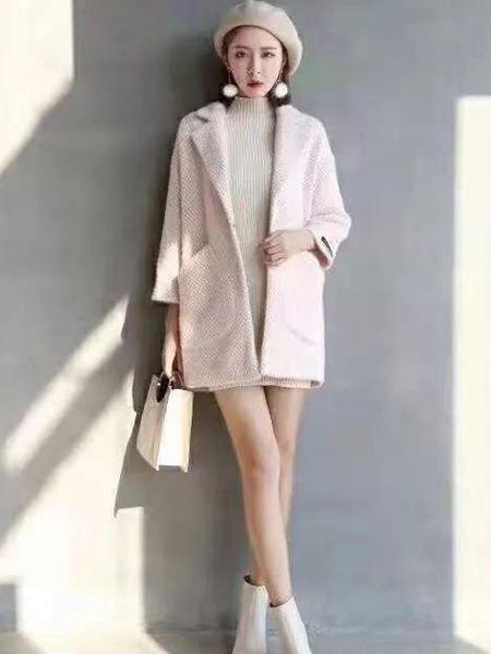 MISS ONE女装品牌2019秋季新款纯色时尚简约修身短款口袋短款翻领直筒淑女毛呢外套