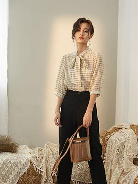 宝洛莎女装品牌2019春夏款时尚休闲荷叶边短袖衬衣