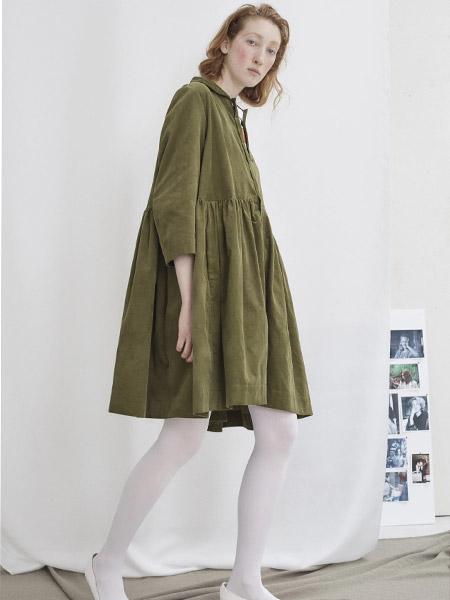 彼得・詹森女装品牌新款韩版中长款宽松休闲遮肉显瘦连衣裙