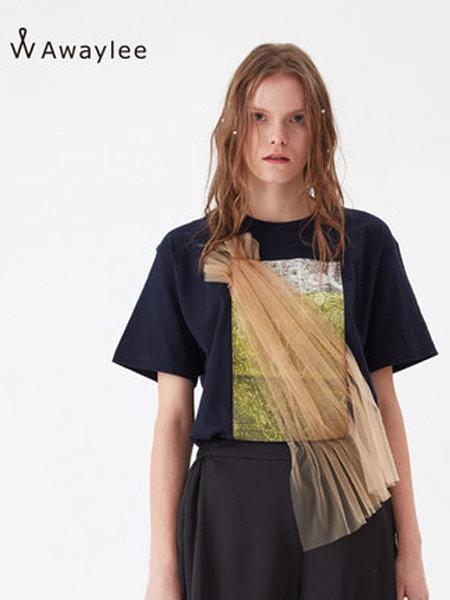 Awaylee女装品牌2019春夏新款图案印花斜拼网纱T恤