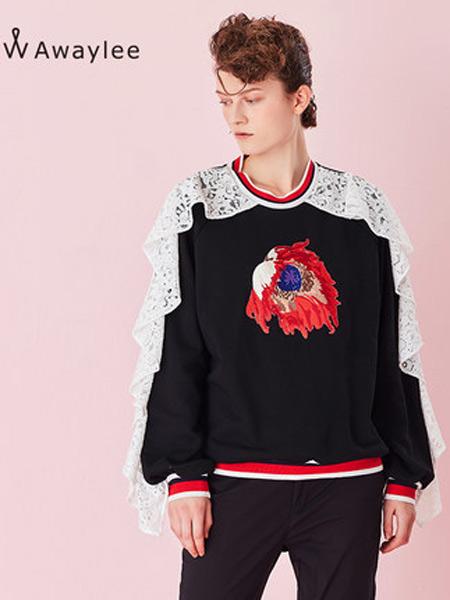 Awaylee女装品牌2019春夏新款白色花边刺绣短卫衣