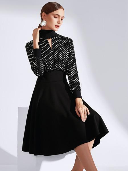 真斯贝尔女装品牌2019秋冬新款圆领修身显瘦波点拼接印花大摆连衣裙套装