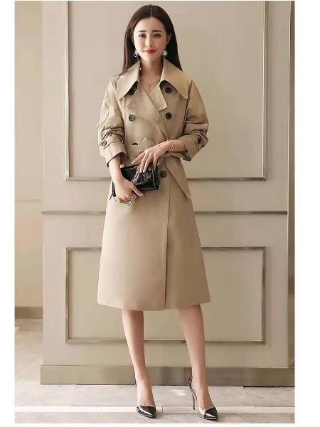 高档大型品牌女装1折货源专柜正品