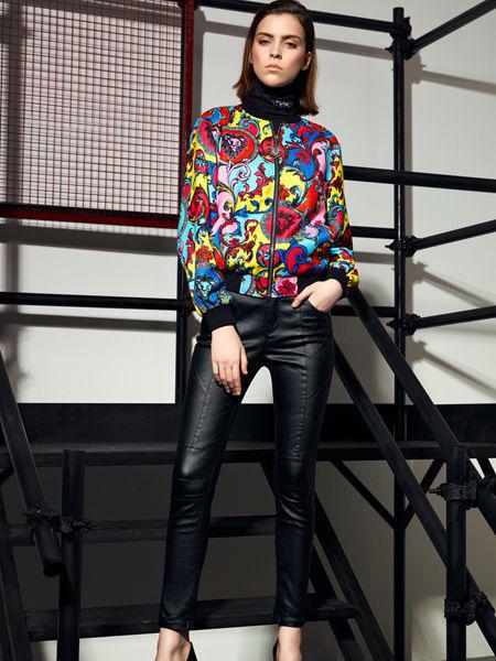 维斯提诺女装品牌2019秋季新款韩版宽松显瘦休闲印花外套