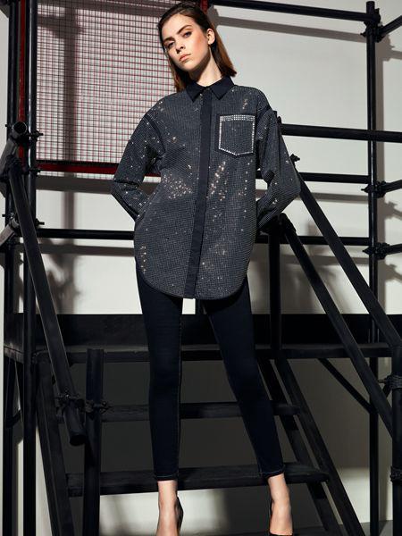 维斯提诺女装品牌2019秋季新款宽松中长款印花衬衫