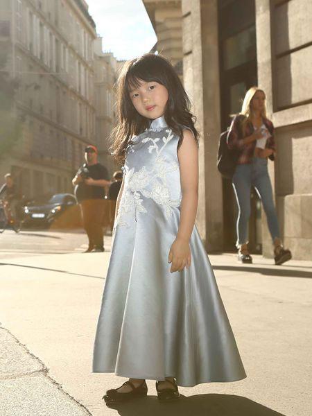 贝的屋童装品牌2019春夏蕾丝修身显瘦时尚优雅晚礼服