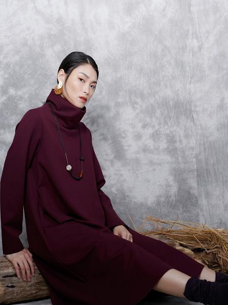 底色女装品牌2019秋季新款气质高贵显瘦连衣裙