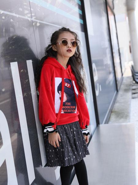拉斐贝贝童装品牌2019秋季新款韩版宽松高腰短款连帽套头加厚上衣