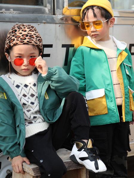 拉斐贝贝童装品牌2019秋季儿童洋气新款休闲棒球风衣