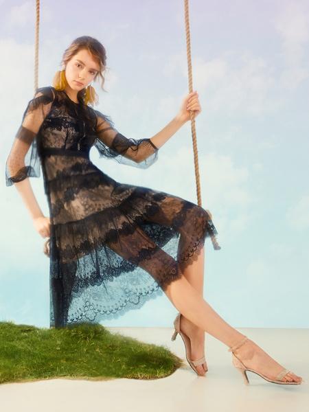 MissLace女装品牌2019秋季新款黑色蕾丝短袖网纱连衣裙