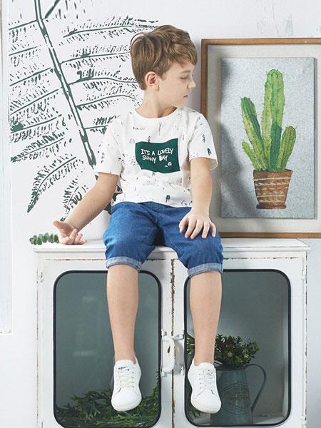 艾艾屋童装品牌2019春夏纯棉T恤短袖儿童男孩白色打底衫