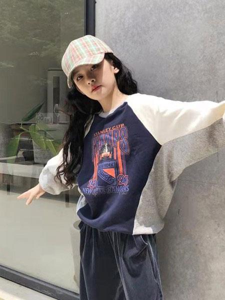 说与童装品牌2019秋冬撞色拼接短款圆领卫衣女宽松显瘦大码套头上衣