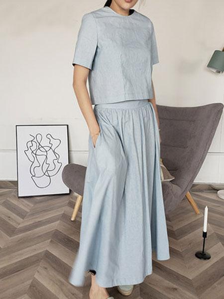 蔻贝卡女装品牌2019春季新款气质半身裙+上衣T恤时尚两件套潮