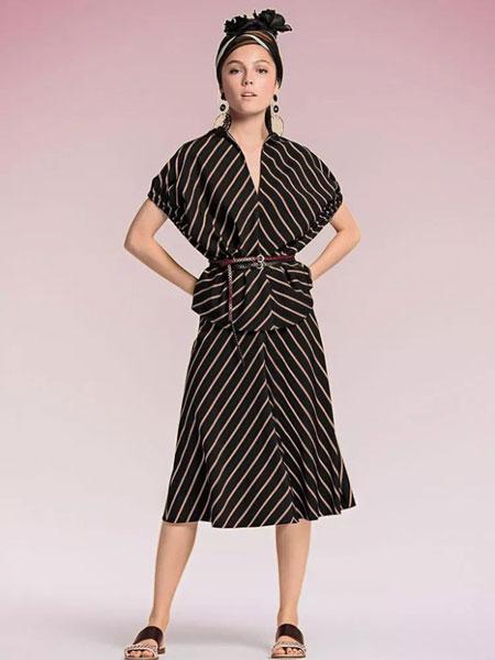 玛可凯恩 marc cain女装品牌2019春夏新款斜条纹宽松连衣裙