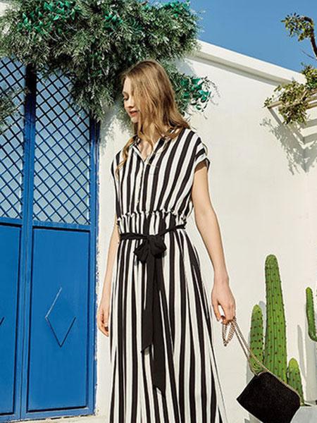 蒂赛尔娜女装品牌2019春夏新款时尚气质减龄黑白条纹方领连衣裙