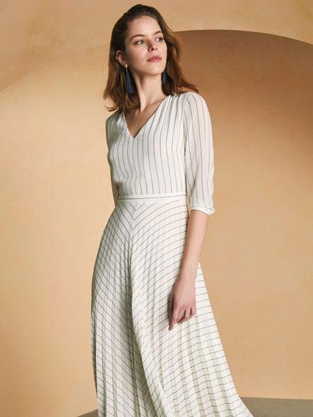Sarar女装品牌2019春夏新款白色V领连衣裙不规则条纹裙