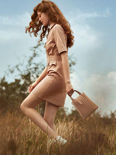奥伦提女装品牌2019春夏新款气质时尚收腰不规则连衣裙