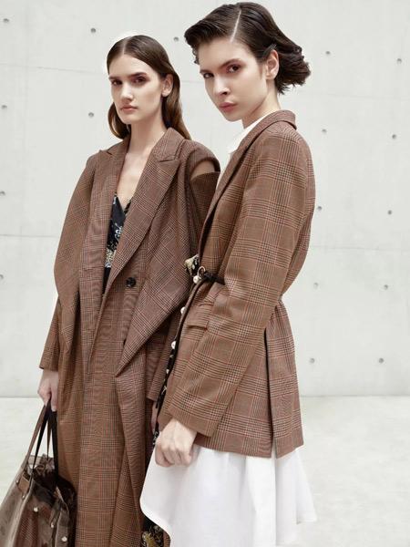 必然女装品牌2019秋季新款时尚条纹气质通勤复古中长修身外套