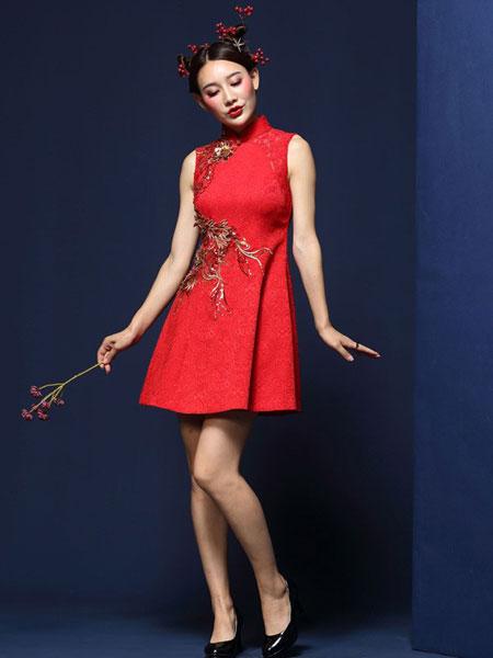 凤禧女装品牌2019春夏改良红色旗袍立体贴花结婚礼服