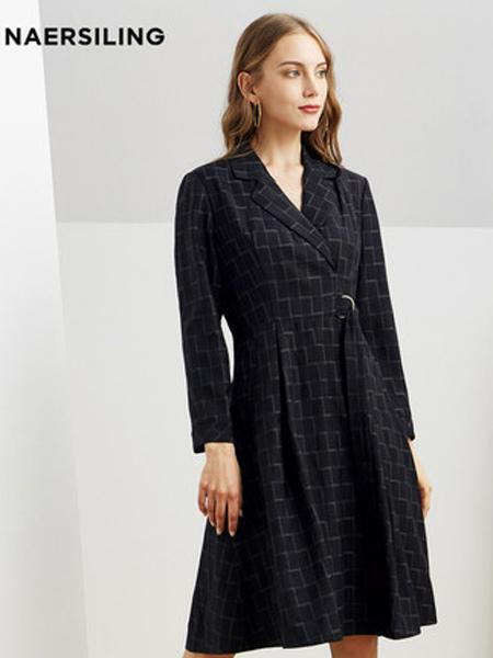 NAERSILING女装品牌2019秋冬新款新款收腰显瘦V领羊毛格纹长袖连衣裙