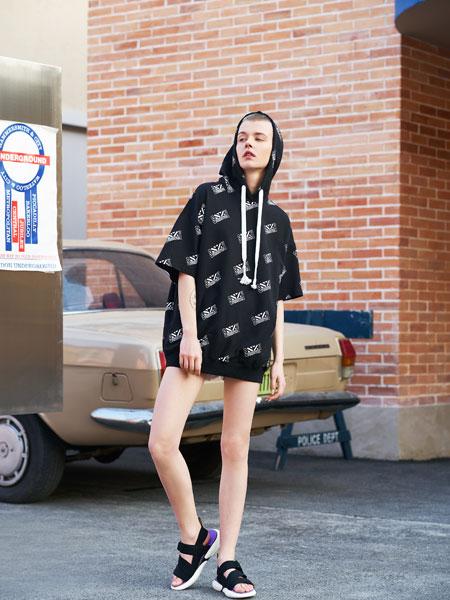SY+女装品牌2019春夏新款个性T恤短袖中长款宽松男友风潮装