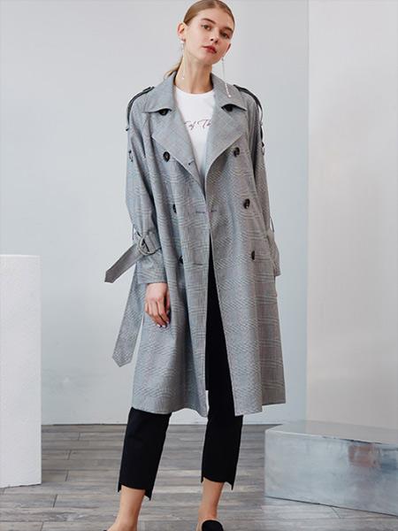 婉甸女装品牌2019秋季新款通勤双排扣外套黑白格子长袖长款风衣