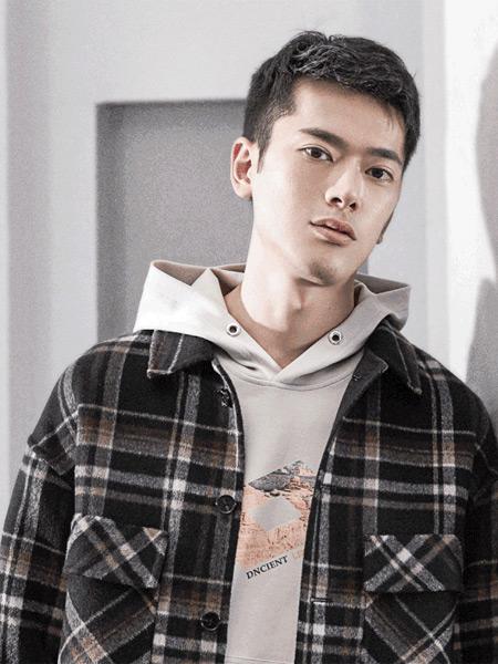 1943S彩75注册品牌2019秋季新款韩版潮流宽松连帽格子衬衫