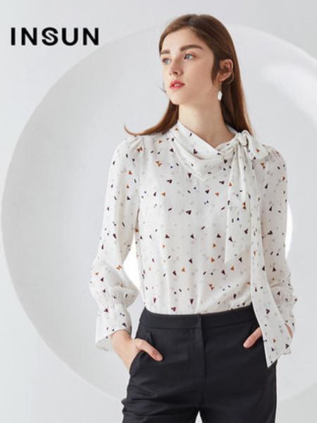 恩裳女装品牌2019秋季新款飘带领几何印花轻薄时尚长袖雪纺衫