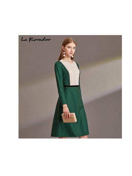 拉珂蒂女装品牌2019秋季拉珂蒂长袖连衣裙女收腰气质通勤撞色裙子