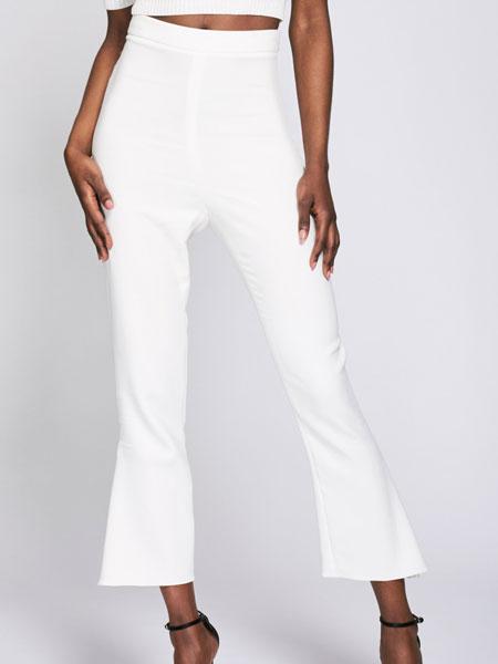 Cushnie et Ochs女装品牌2019春夏新款时尚白色九分微喇牛仔裤