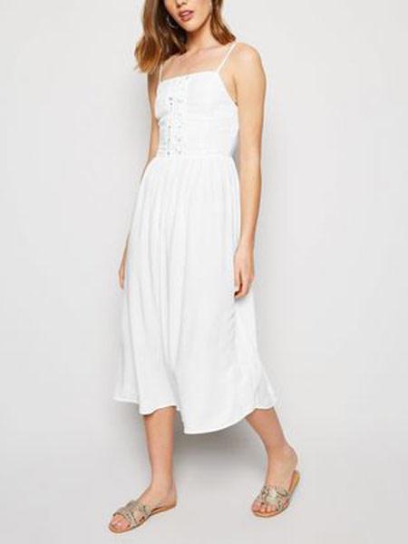 新风貌女装品牌2019春夏新款吊带性感瘦身中长款连衣裙