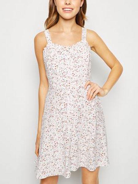 新风貌女装品牌2019春夏新款修身无袖波点短款韩版连衣裙