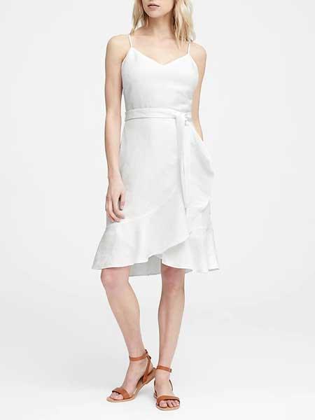 laura biagiotti女装品牌2019春夏新款甜美气质V领吊带不规则荷叶边修身显瘦包臀连衣裙潮