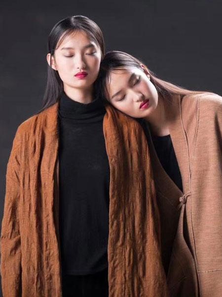诗简女装品牌2019秋冬纯